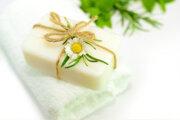 石鹸シャンプーはベストな洗浄剤?薄毛に効果的な4つの理由